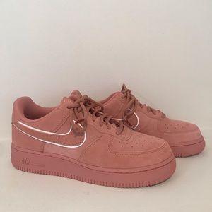 Nike Air Force 1 lv7